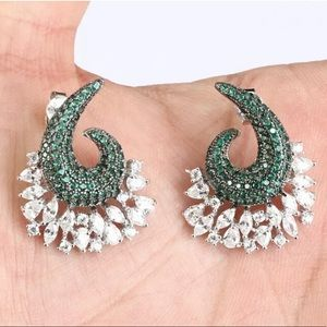 Sultan Emerald Double Colored Silver Earrings